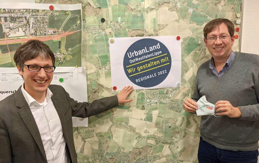 Bürgermeister Martin Hoffmann und Stadtplaner Michael Kriszan freuen sich über die Unterstützung im Rahmen der Regionale 2022
