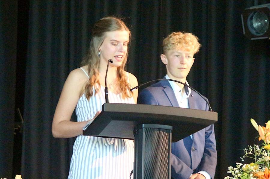 Alicia Wolff und Maurice Flege waren die Jahrgangsprecher. Foto: Thomas Dohna