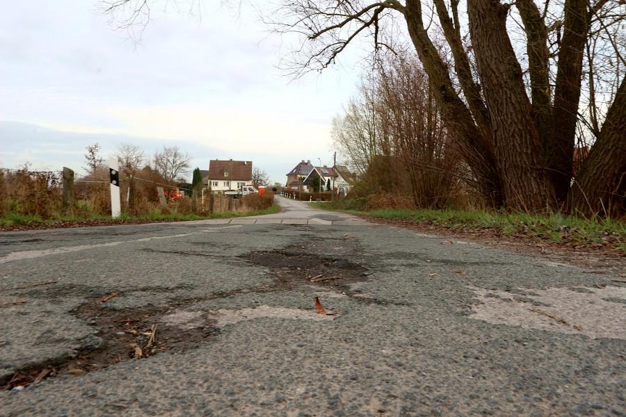 Die Straße Im Holtkamp ist noch nie im technischen Sinne ausgebaut worden. Im Bereich der Siedlung soll das laut einer Liste der Gemeindeverwaltung 2024 geschehen. Archivfoto: Thomas Dohna