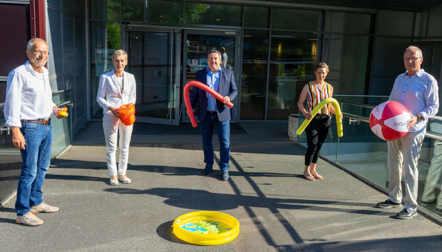 Friedhelm Böger (Präsident KSB), Anke Freytag (Schulamt Kreis Lippe), Landrat Dr. Axel Lehmann, Anika Rabe (KSB) und Jobst Kuhlmann (Sportförderung Kreis Lippe).