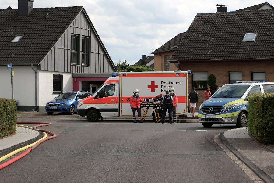 Die Helfer des Deutschen Roten Kreuzes sind angerückt. Foto: Edeltraud Dombert