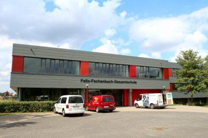 Die energetische Sanierung der Felix-Fechenbach-Gesamtschule ist gerade abgeschlossen. Für den Einbau dezentraler Lüftungsanlagen müssten die Fassaden wieder aufgerissen werden. Foto: Thomas dohna