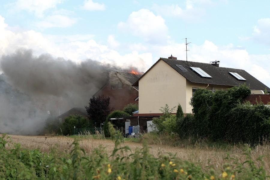 Von der Heeper Straße ist das Feuer zu sehen. Foto: Edeltraud Dombert