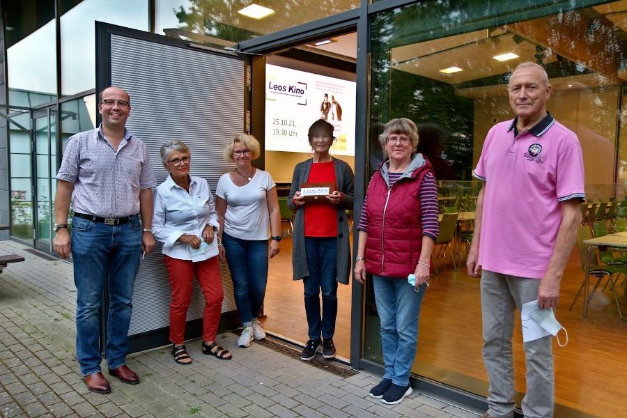 Ulrich Schumann (von links), Uli Aaltonen, Juliane Loos-Sudhölter, Poni Lüking, Ulrike Linsmeier und Ingo Knabenreich sind das Team von Leos Kino. Foto: Edeltraud Dombert