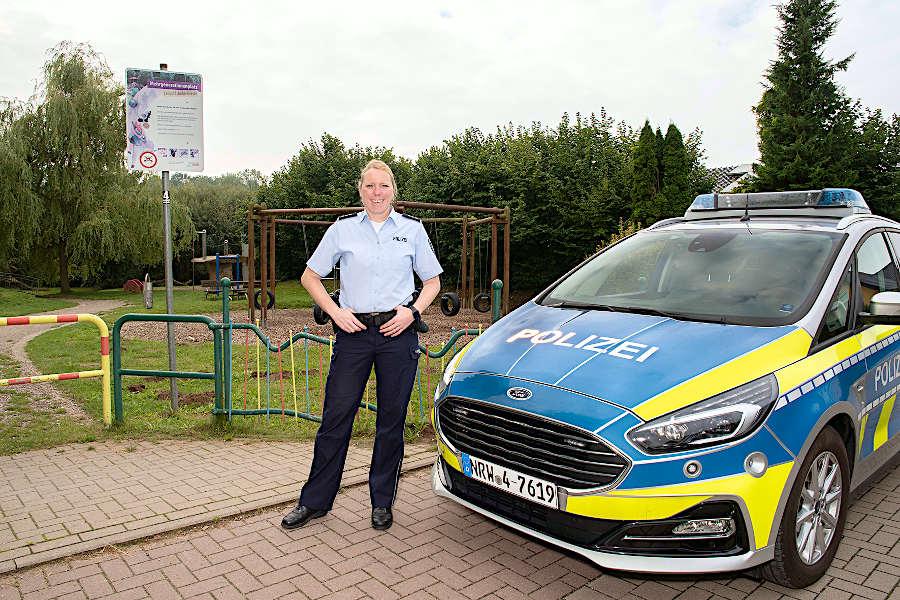 Polizeihauptkommissarin Nina Worm ist die erste Bezirksbeamtin Lippes und die neue Bezirksbeamtin in Leopoldshöhe. Foto: Polizei Lippe
