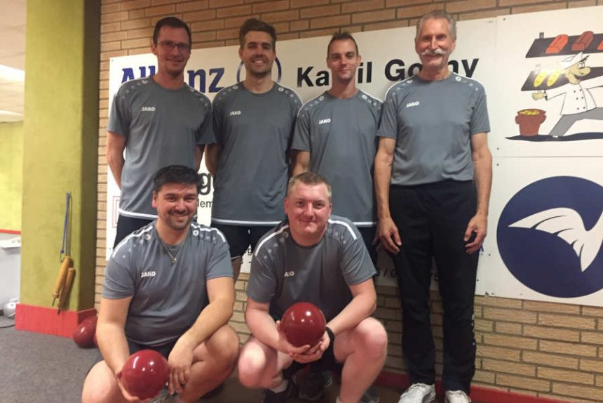 Mannschaftfoto der 1. Mannschaft: v.l.n.r. hinten: Björn Brinkmann, Marvin Lammert, Nils Hartnack, Eckhard Kopp, vorn Dennis Siekaup und Maik Aderhold. Foto: Privat