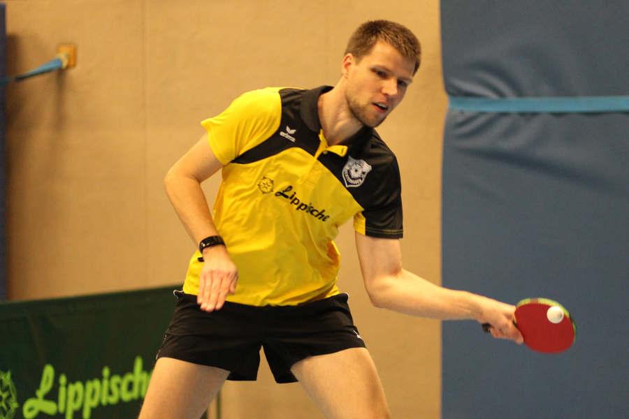 Thomas Reinhardt holte einen Punkt gegen Dennis Kirstein in einem umkämpften 5 Satzkrimi